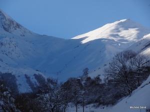 Vue sur le domaine skiable de Saint-Lary Pla d'Adet vers Espiaube et la piste Terranère Terranère