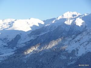 Dernier rayon de soleil frileux sur la vallée d'Aure
